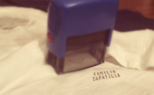 sello para marcar ropa mellizos